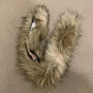 Kids Burberry fur attachment for jacket